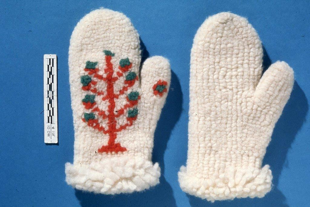 Mittens knitted by Priscilla Ostrum Wilson with Christmas Tree design.