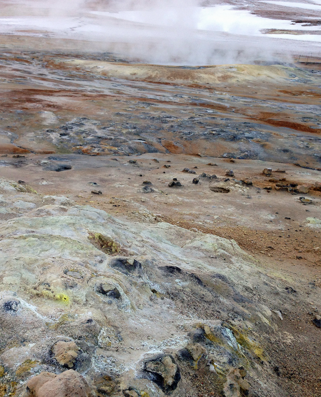 Mud, minerals, and the smell of sulfur in the Icelandic landscape